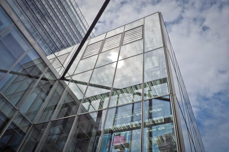 Comment installer une fenêtre en aluminium